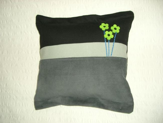 Mini flower applique cushion Cashmere, Wool and corduroy 46x46cm