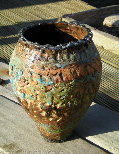 stoneware vessel 9 stoneware clay oxides and glazes width=
