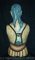 Mosaic manequin back view.